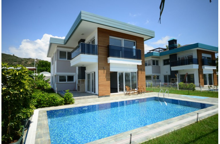 For sale fully furnished villa 3 + 1 with sea view on the first line